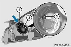mercedes classe a remplacement des ampoules avant remplacement des ampoules eclairage et. Black Bedroom Furniture Sets. Home Design Ideas