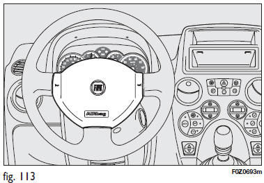 Fiat Panda. Airbag frontal coté conducteur